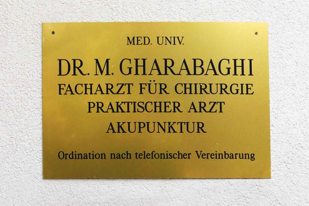 Ordinations Schild Dr. Masom Gharabaghi